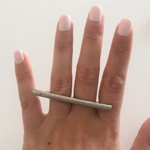 Jewelry - Vintage inspired two finger bar ring